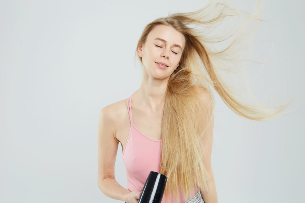 woman_hairdryer