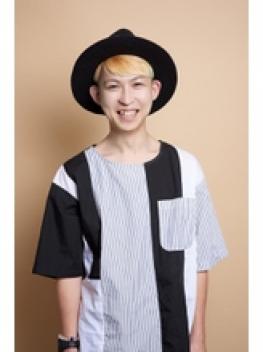 美容師:KATSU